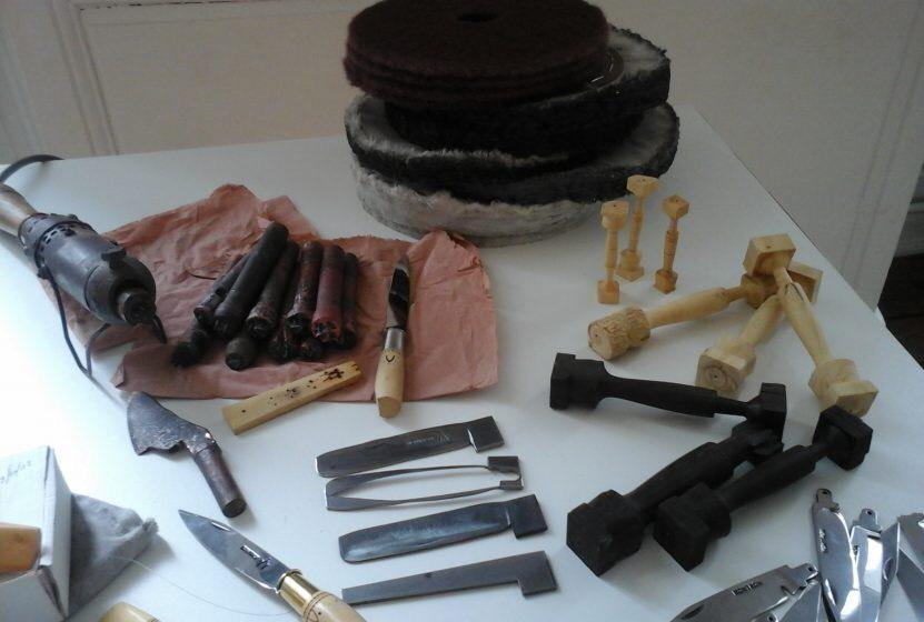 Secrets of workshops of Nontron knives exhibit